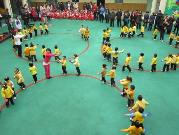 合肥市安庆路幼儿园迎来了新学期的幼儿早操汇报表演