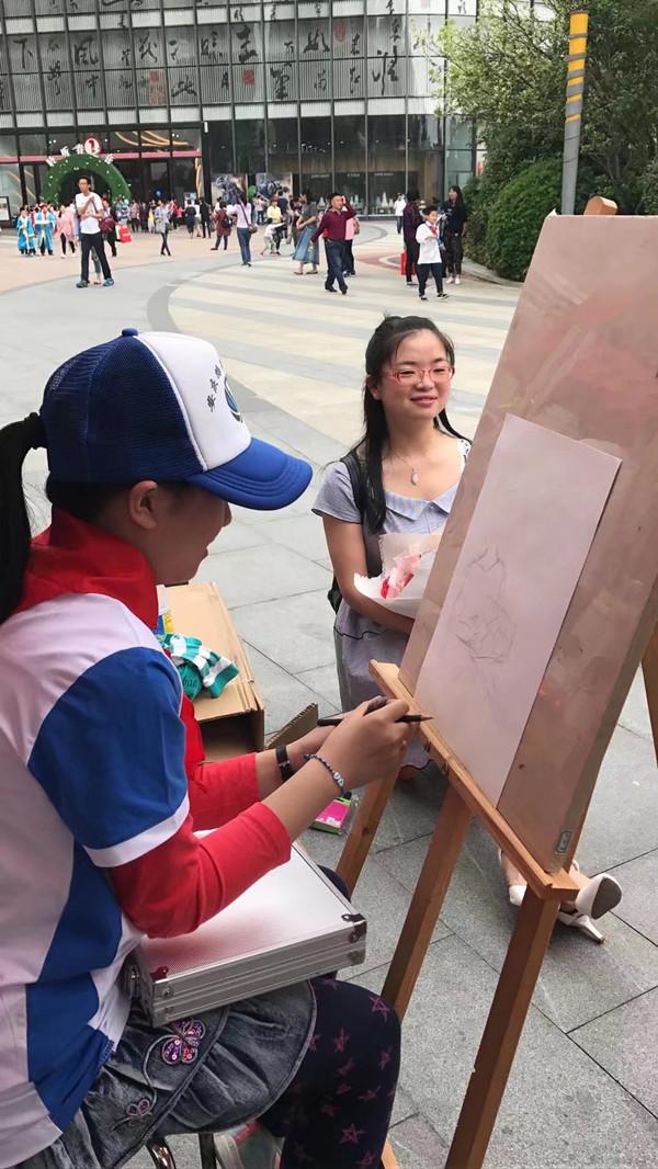 手绘的明信片,啤酒瓶,风筝以及书法,绘画作品等等各种充满创意的小图片